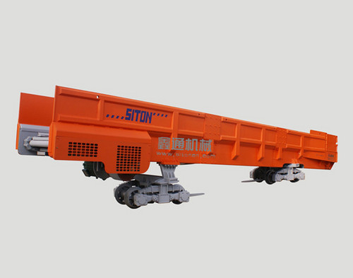 大型梭式矿车